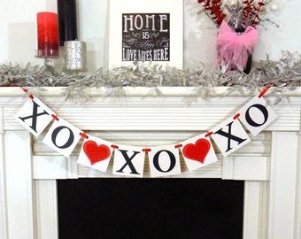 Valentine's Decoration Banner / Be Mine / Valentine Banner / Valentine's Decorations - / My Love Sign / Be Mine Garland / Glitter Red Hearts