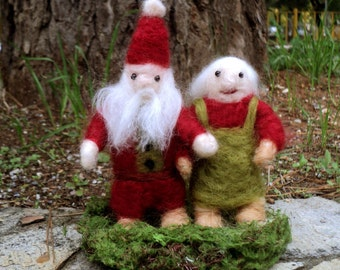needle felted Santa Claus with his wife