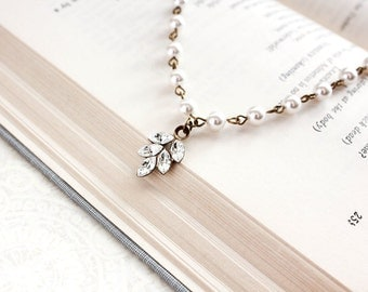 Bridal Necklace Rhinestone Necklace Ivory Cream Pearl Chain Necklace Wedding Jewelry Crystal Glass Leaf Pendant Vintage Style Charm