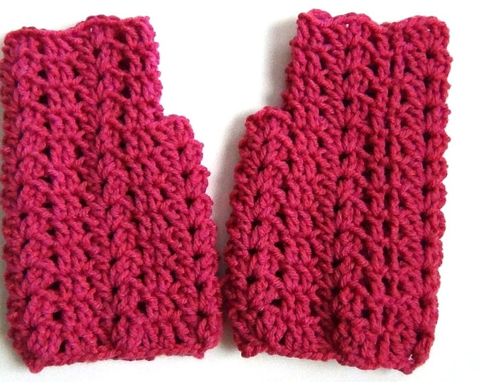Fingerless Gloves Light Raspberry Wrist Warmers - Crocheted Lace Fingerless Gloves Medium Pink Purple Handwear