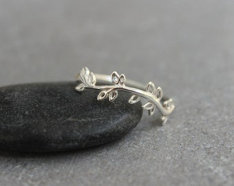 Thin silver ring, Leaf ring, Women's ring, dainty ring,  Silver branch ring, sterling silver ring.