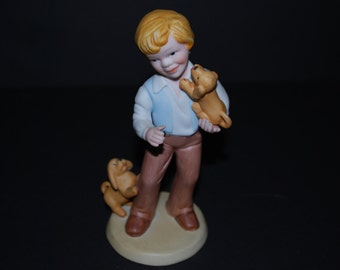 Vintage Figurine Avon Best Friends Figurine
