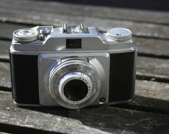Ansco Memar Pronto Camera with leather case 1950s?