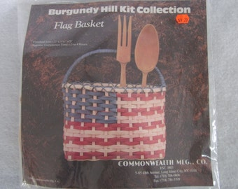 "Flag basket kit,7""x5""x1 1/2"",reed,Burgundy Hill collection"