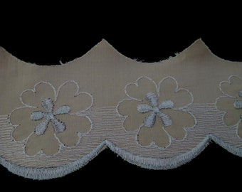Embroidered Vintage Trim