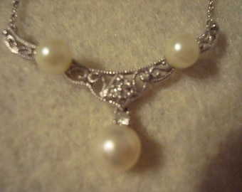 """14k white gold/pearl necklace 16"""""""