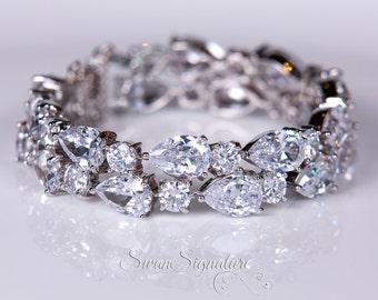 Crystal bracelet, Bridal bracelet, Rhinestone Bracelet, Swarovski Bracelet, Wedding bracelet, Bridal accessories, Prom, Crystal Bracelet b18