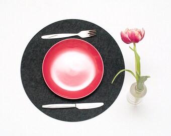 Set of 6 Round Placemats / Minimalist / Black Placemat / Felt Placemat