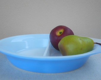 Pyrex Agee Divided Dish - Retro Oval Ovenware Sky Blue