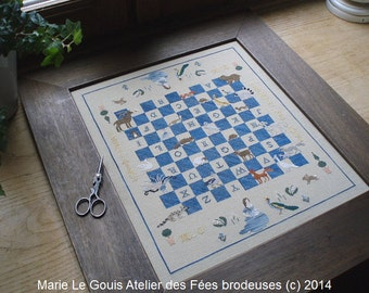 MEDIEVAL BESTIARY (checkers board)