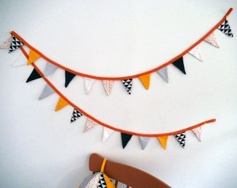 Pennants on measurement/command, Bunting Garland