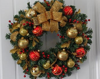 "18"" Red and Gold Holiday Wreath"