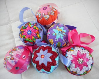 Quilted Christmas Balls Tree Decoration - Set of 6 - Multi Coloured Ornaments