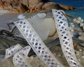 White Ivory Lace, lattice design. wh023