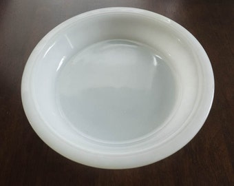"""PYREX CROWN Ovenware 8"""" Opal/Milk Glass Fluted Pie Dish: - c1960s"""