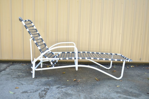 Vintage white bent aluminum brown jordan tamiami by for Brown jordan tamiami chaise
