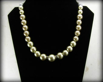Pearl Necklace - Graduated Sized Glass Pearls - Graduated Elegance in soft gold