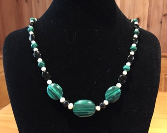 Malachite and freshwater pearl necklace