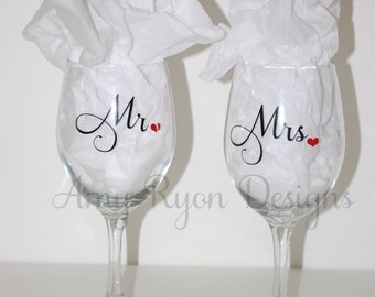 Mr. and Mrs. Wine Glasses, 20oz Mr. and Mrs. Wine Glasses, Custom Wedding Gift, Custom Bridal Gift, Custom His and Her Gifts