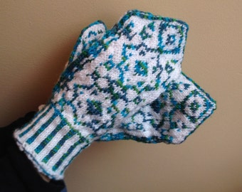 Persian Stranded Mittens