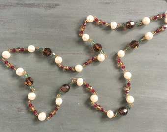 Beautiful pearls and crystal beads necklace