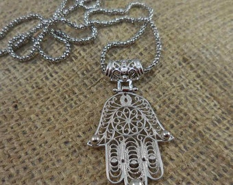 Silver Cut-Out Hamsa Necklace