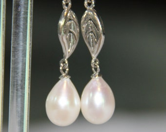 pearl drop earrings, bridal pearl drop earrings, ivory pearl drop earrings, silver pearl drop earrings, pearl drop earrings bridal