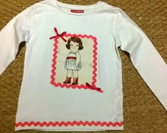 Girls T-Shirt  size 6-7 Years