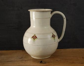 Art Déco, enamelware  wash basin jug,  french antique hand painted géometric decor, in vintage condition circa 1920.