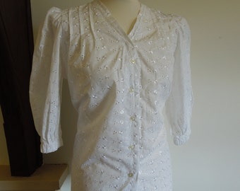 SALE 50% OFF - Vintage white blouse with back detail and puffy sleeves