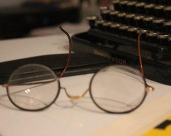 Vintage round glasses with flex handle