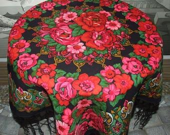 Beautiful PAVLOVO POSAD Vintage Floral Black Fringes Scarf/Russian Folk Shawl/Babushka Folk Floral Rose Print Shawl/Folk with Fringes Scarf