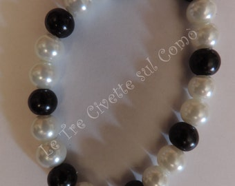 Pearl bracelet with imitation Pearl and white
