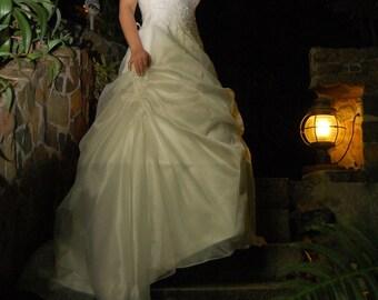 2010 Style A-line Strapless Sleeveless Tulle / Satin Floor-length Wedding Dress