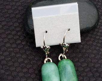"1/2"" x1/4"" drop earrings with leverbacks in glass"
