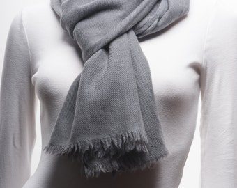 UItra-fine Handwoven Cashmere Scarf, Gray Color