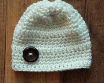 Crocheted newborn baby hat/beanie with button