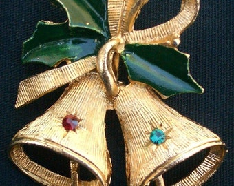 Christmas Bell Pin with Holly leaves Gold tone