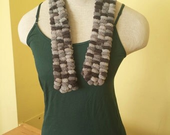 SALE: - Toddler's grey pom pom scarf