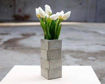 Vase of concrete | gestapelt