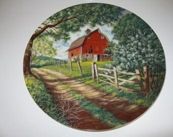 Vintage Weathered Barn Decorativ Plate