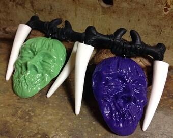 Shrunken Head - Restless Natives Tiki Brooch - Fangs Teeth Nose Bone - Novelty Pin - Halloween - Tiki Oasis VLV - Car Culture