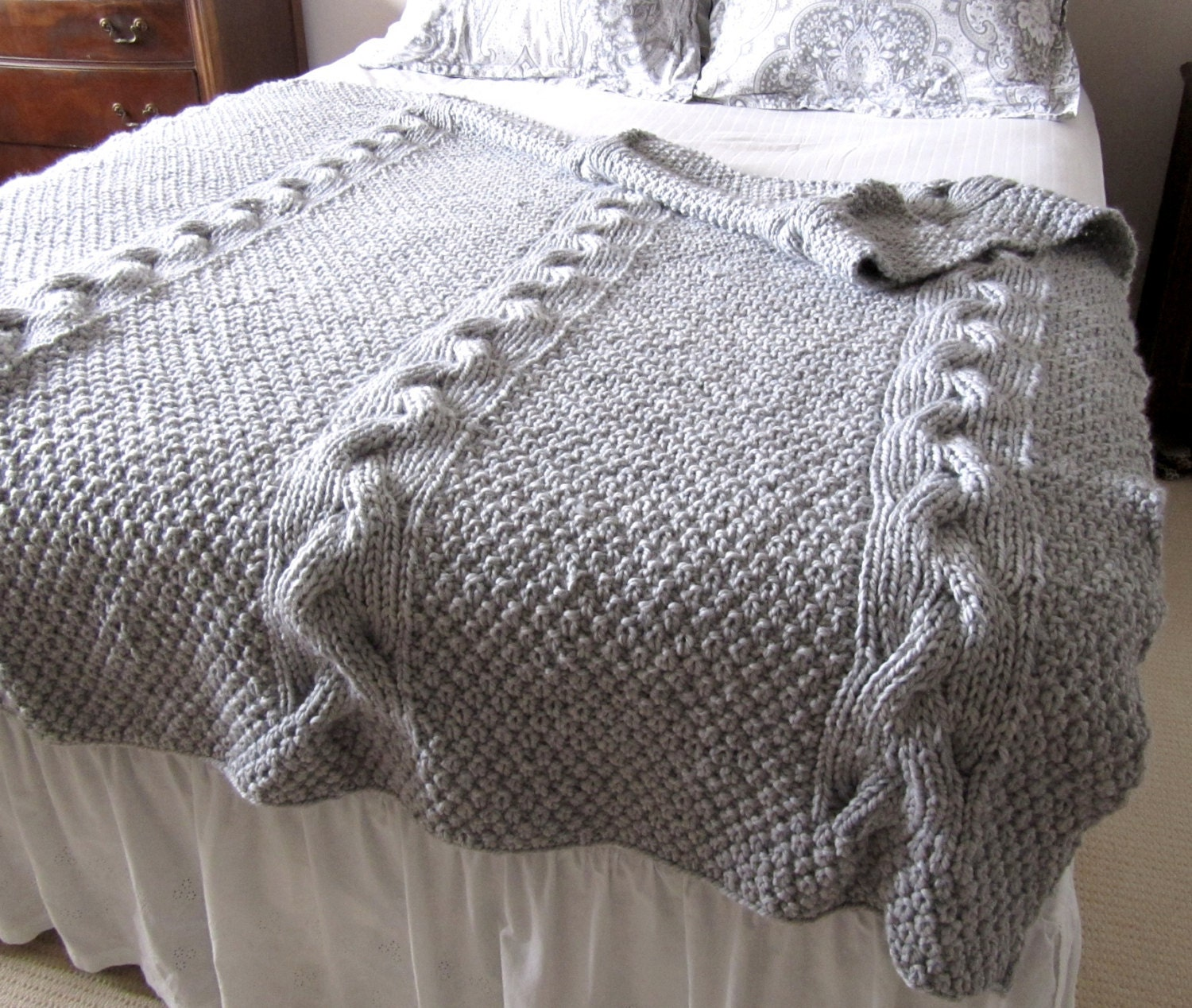 Cable Knit Throw Pattern : Chunky Reversible Cable Knit Blanket Pattern PDF File