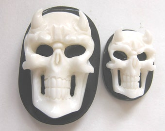 MS Carved Cow Bone Horn Horned Devil Skull Day of the Dead Cabochon Cab 30 x 20mm Oval Bali Fair Trade