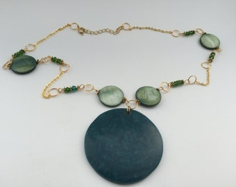 Green circles neclace
