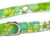 XS Dog Collar - Retro Flowers on Green - Extra Small, Teacup, Miniature - Cute, Pretty and Fancy