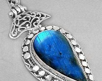 Sale: Fancy Blue Labradorite and Sterling Silver Pendant