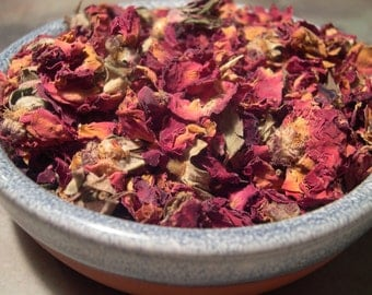 Red Rose Petals Buds Dried, Love, Psychic Powers, Healing, Love Divination, Luck, Protection, Magical Herbs, Spell and Ritual Work Curio