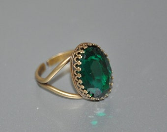 Emerald Green Crystal Cocktail Ring, Brass Adjustable Ring, Swarovski Crystal, Oval Stone, Vintage Statement Ring
