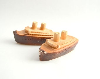 Vintage Chalkware Ship Boat Salt and Pepper Shakers Made in USA